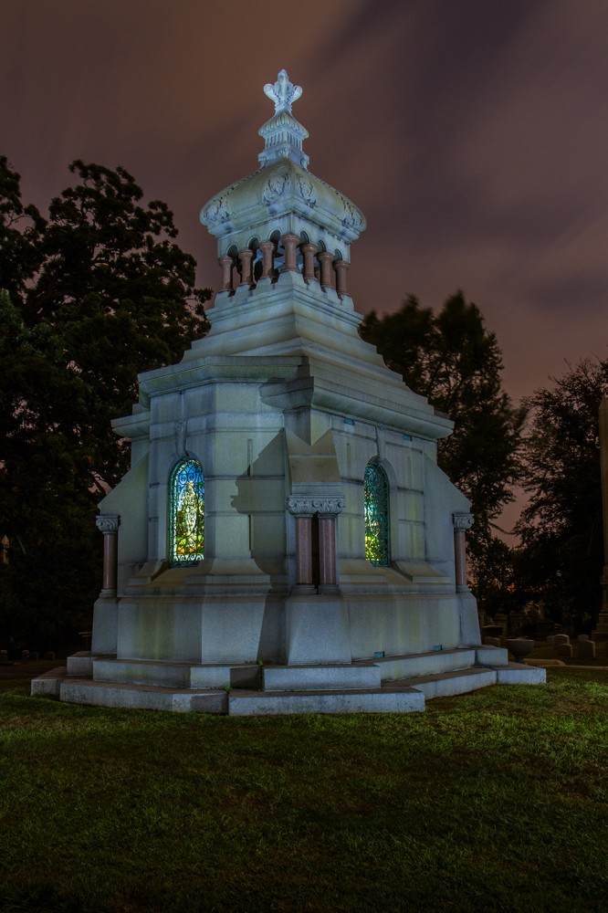 Woodlawn Cemetery Photo by Peter Nagy